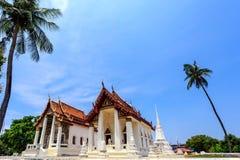 Historiskt ställe, Wat Ubosatharam Templet inhyser många kulturföremål liksom väggväggmålningar som föreställer stilen av tidiga  royaltyfria bilder