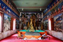 Historiskt ställe, Wat Ubosatharam Templet inhyser många kulturföremål liksom väggväggmålningar som föreställer stilen av tidiga  arkivfoto