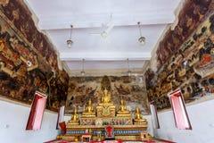 Historiskt ställe, Wat Ubosatharam Templet inhyser många kulturföremål liksom väggväggmålningar som föreställer stilen av tidiga  royaltyfria foton