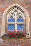 Historiskt stadshus för fönster Arkivbild