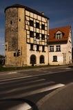 Historiskt stadstorn från det 15th århundradet Arkivfoto