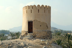 historiskt torn för fujairah guard Arkivbild