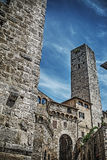 Historiskt torn i San Gimignano royaltyfri foto