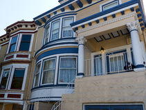 Historiskt victorianhus i San Francisco CA arkivfoto