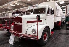 Historyczna mężczyzna oleju napędowego ciężarówka od 1953 Zdjęcie Royalty Free