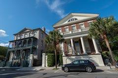 Historyczna mieszkaniowa architektura w Charleston, SC Obraz Royalty Free