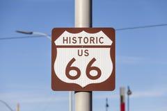 Historyczna USA trasy 66 autostrada Podpisuje wewnątrz Kingman Arizona Obrazy Royalty Free