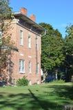 Historycznego cegła domu Boczny widok Zdjęcia Royalty Free