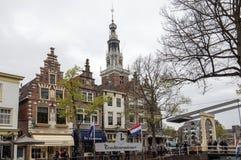 Historycznego xvii wiek gabled domy przy Mient kanałem, środkowy Alkmaar, fotografia royalty free