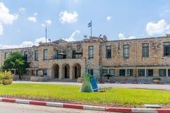 Historyczni budynki mieszkalni w Haifa rafinerii ropy naftowej mieszance zdjęcia royalty free
