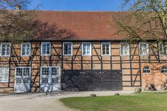 Historyczni ceglani domy w grodowym ogródzie Rheda-Wiedenbruck zdjęcie stock