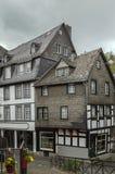 Historyczni domy w Monschau, Niemcy Fotografia Royalty Free