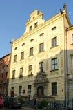 Historyczny budynek lokalizuje w starym miasteczku w Toruńskim, Polska obraz royalty free