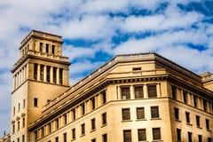 Historyczny budynek z basztowymi hiszpańszczyznami Fotografia Royalty Free