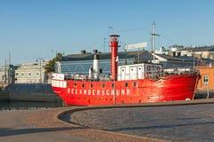 Historyczny czerwony Relandersgrund latarniowiec w Helsinki, Finlandia Obraz Royalty Free