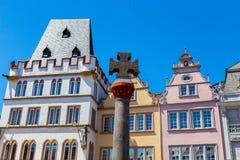 Historyczny Domowy fasadowy magistrala rynek w odważniaku Rhineland Palatinate fotografia stock