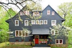 Historyczny gontu stylu dom w Wellesley MA obrazy stock