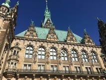 Historyczny Hamburski urząd miasta podwórze obrazy stock