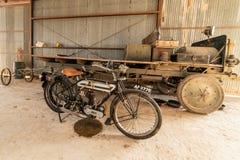 Historyczny motocykl W Statycznym pokazie Przy Pionierskim lota muzeum obraz royalty free