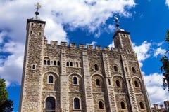 Historyczny przy wierza Londyn historyczny kasztel na północnym banku Rzeczny Thames w środkowym Londyn Biały wierza Obraz Royalty Free