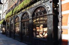 Historyczny sklep Jagodowy Bros & czerwionka w Londyn Obraz Royalty Free
