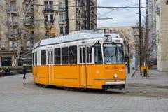 Historyczny tramwaj w centrum Budapest, Węgry obraz royalty free