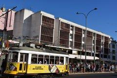 Historyczny tramwaj 28 w Lisbon, Portugalia Fotografia Stock