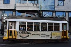Historyczny tramwaj 28 w Lisbon, Portugalia Zdjęcia Stock