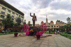 HISTORYCZNY Zaludnia ` Komitetowego budynek w Ho Chi Minh kwadracie SAIGON WIETNAM, JAN - 23, 2017 - Obraz Stock