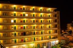 Hiszpański hotel przy nocą Fotografia Royalty Free