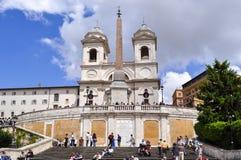 Hiszpańszczyzna kroki i Trinita dei Monti kościół, Rzym, Włochy fotografia royalty free