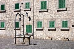 Hiszpański podwórze - SUROWY format Obraz Stock