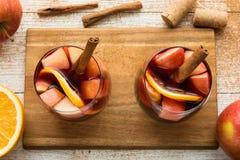 Hiszpański sangria z czerwonym winem i owoc Obrazy Stock