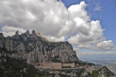 Hiszpania, halny Montserrat Maja 03-2013 monaster Santa Maria Zdjęcie Stock