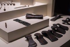 Hittiteassen met gaten voor handvat royalty-vrije stock foto's