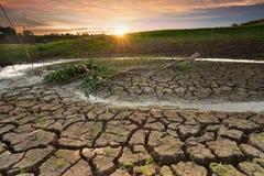 Hitze, ausgetrockneter Boden der Dürre Stockfotos