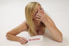 HIV undertecknar in modellens hand Royaltyfri Bild