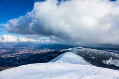 Hiver avec la neige dans les montagnes géantes, République Tchèque Photographie stock libre de droits