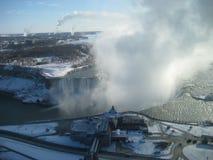 Hiver de chutes du Niagara de plumes Photo libre de droits