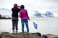 Hiver de déplacement de l'Islande de touristes Photos libres de droits