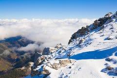 Hiver de jour de montagne Photos libres de droits