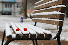 Hiver rouge deux de coeurs de neige Image libre de droits