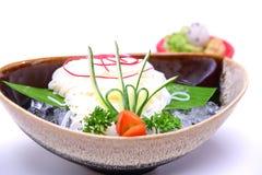 Hiyashi Somen, Japonais a refroidi des nouilles servies avec le sau de plongement Image stock
