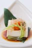 Hiyayakko: Zimna Tofu sałatka z Katsuobushi Suszył, Fermentujący i Dymiący Skipjack tuńczyk, Obraz Royalty Free