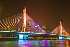 HiYin桥梁在晚上广州 免版税库存图片