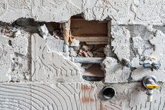 Hjälpmedel av muraren Arkivfoto