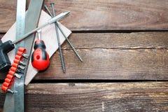 Hjälpmedel för att arbeta med wood yttersida royaltyfri bild