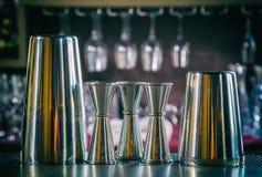 Hjälpmedel för bartendern royaltyfri bild