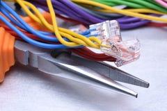Hjälpmedel för elektriker och kablar fotografering för bildbyråer