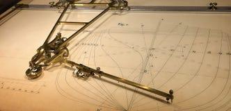 hjälpmedel för skeppsbyggeri för århundrade för th 19 mekaniskt royaltyfria foton